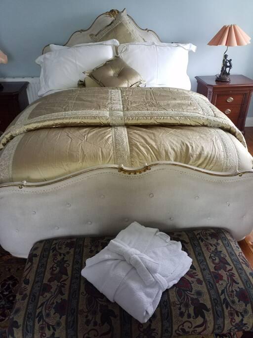 Enjoy a restful night's sleep in luxurious linen