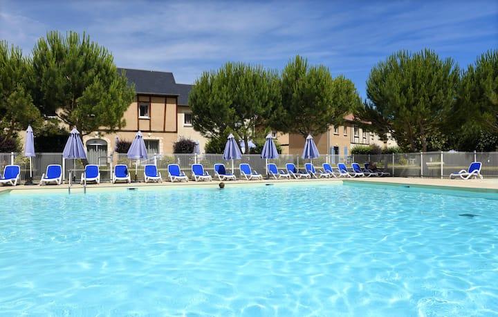 Maisonnette en Dordogne | Accès Piscine + Table de Ping Pong!
