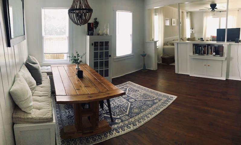 Open floor layout, from the dining space looking into the front living room.