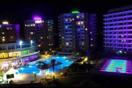 Caesar resort 2+1(sea,pool,sauna,spa,barbecue,gym)