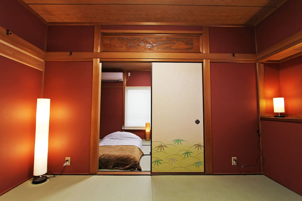 4LDK new renovated Japanese traditional house. +WIfi