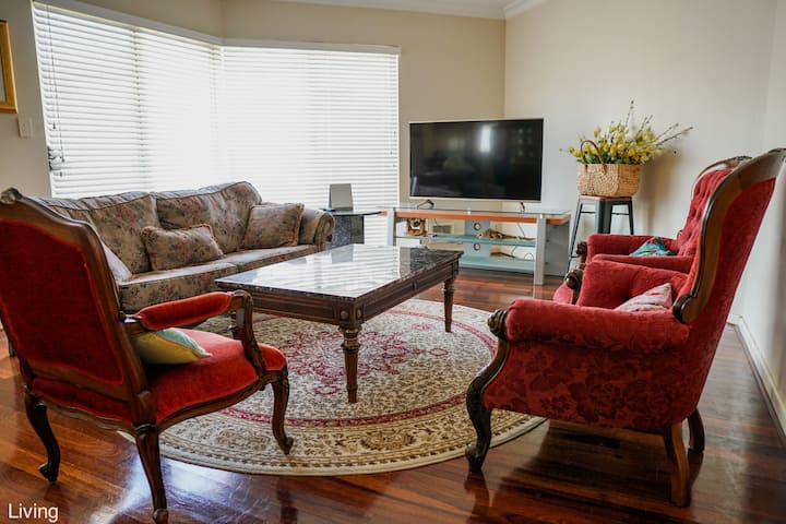 Room 5 Large Comfy House in Manning Near Perth CBD