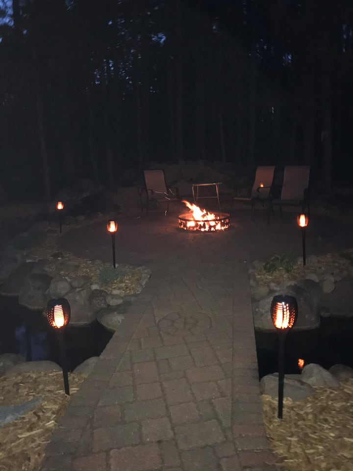 Private Cabin style home on acreage