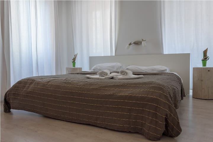 Villa Borgo B&B standard double room - Unit 1 - Motovun - Bed & Breakfast