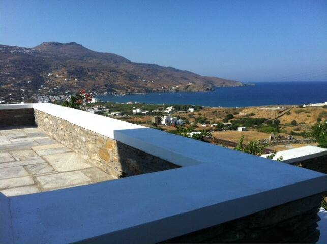 Villa 200 sqm located in 4250 land. - Ormos Korthiou - House