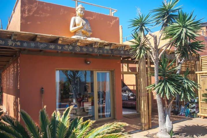 Budha House, Escape and Dream
