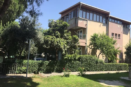 Manisa Güzelyurt mah triblex bahçeli villa