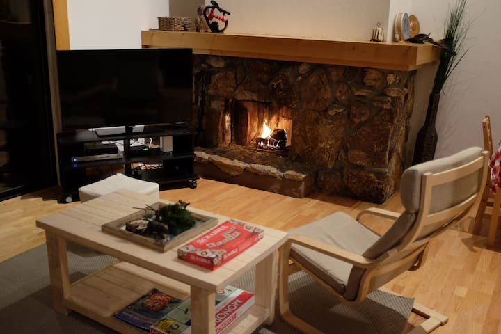 Private room in sleek 2BR cabin - Tahoe City - Casa de campo
