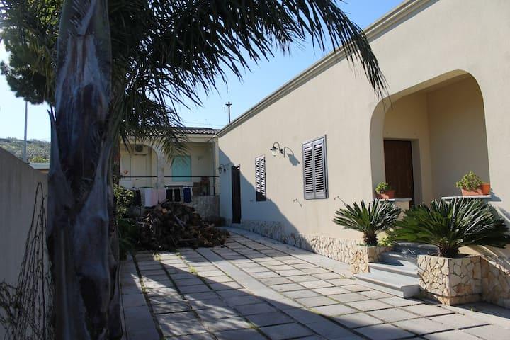 Villetta a Santa Ninfa - Santa Ninfa - House