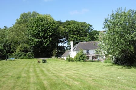 Hafod Villa a delightful secluded Coastal Cottage. - Pembrokeshire
