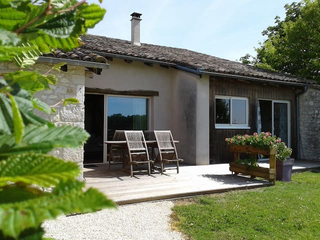 """La Grange"" charming gîte in Organic Vineyard"