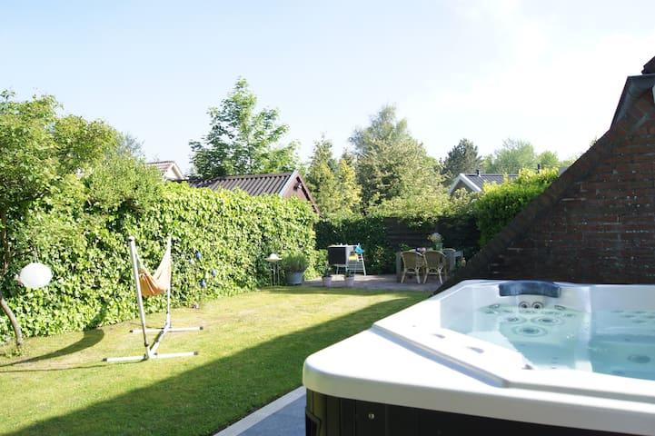 Vakantiehuis met jacuzzi - Lauwersoog - Haus