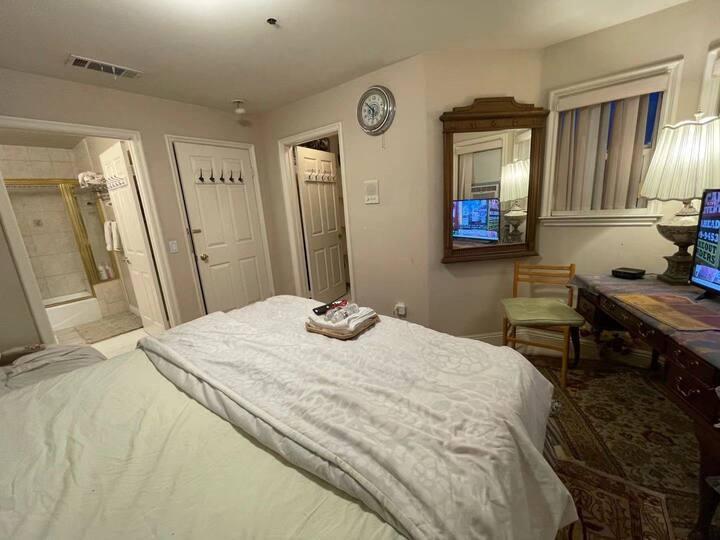 H2N Sleep and Go for $48 private bathroom