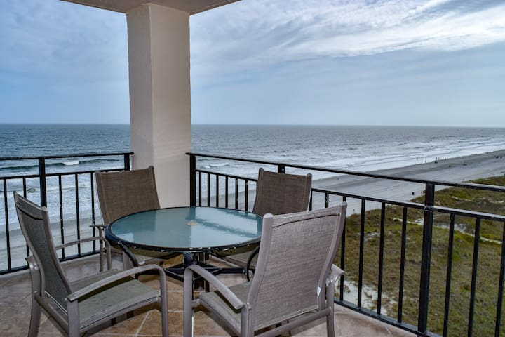 Ocean Drive.  1 bedroom, 1 bath, oceanfront, 7th floor, elevator.  Sleeps 4.  Outdoor pool. Non smoking.  No pets.  Motorcycles allowed.  Families only.  No student groups.