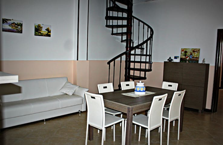 Ampio appartamento nel Salento - Alliste - House