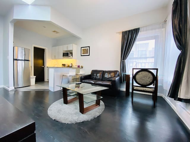 Bright, spacious 1 bed, close to Emp State/5th Ave