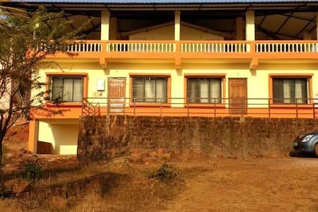Smira's Nook Bungalow, Dapoli