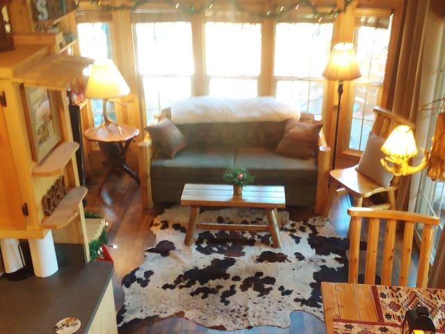 Bird House Cabin