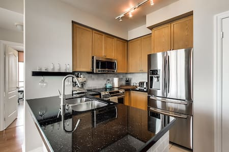 Luxury condo in the heart of the city - Mississauga - Lakás