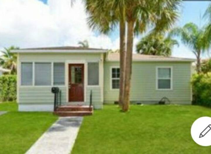The Florida Fantasy House For 2 People Only