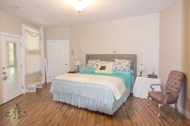 King suite on Fox Creek Road, Lawrenceburg