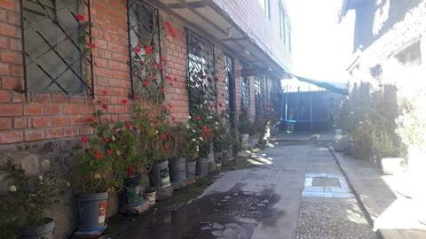 Hostal puerta de Aramu Muru