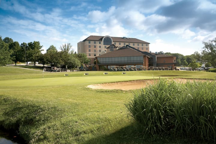 Golf Resort Guest Rooms - East York