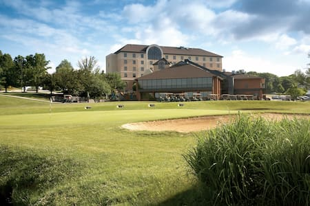 Golf Resort Guest Rooms - East York - Altres