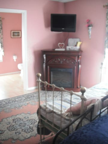 Parrish Room at Conley Suites bnb - Yelm - Bed & Breakfast