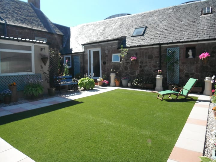"""The Bothy""  Private & Exclusive Cottage  Cumbrae"