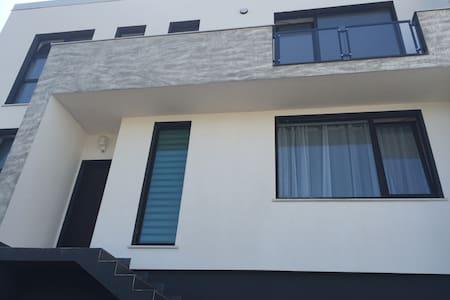 Renting rooms in private villa for Untold 2016 - Florești