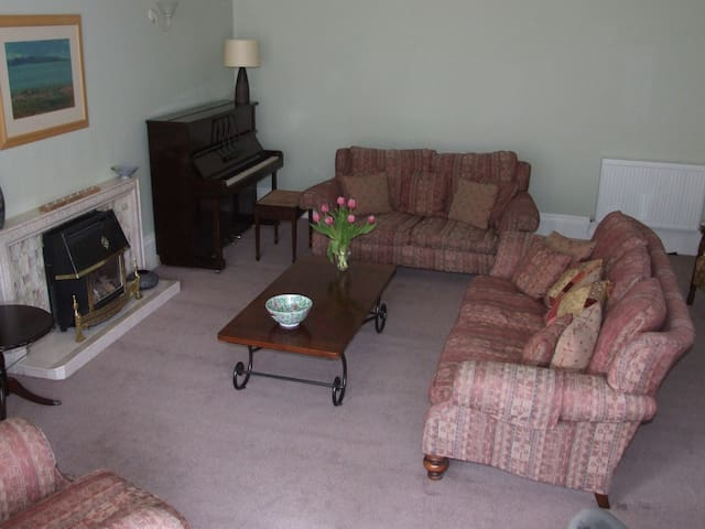 Belmont Guest House - Victorian Terraced House - Ayr - Bed & Breakfast