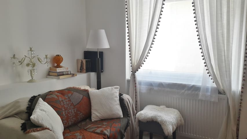 Lovely studio flat with superb Location Chelsea