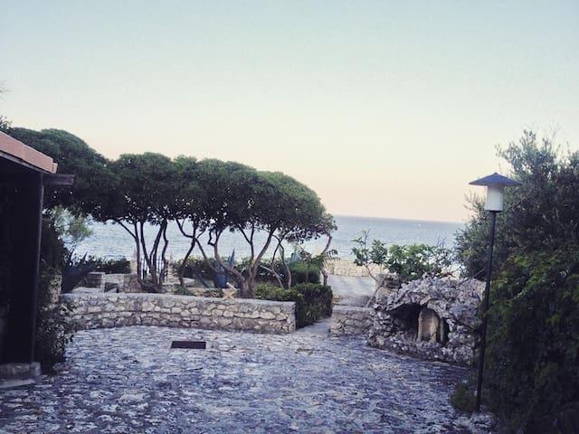 "Villa ""Petra"" on Adriatic cliff in Salento - Castro Marina - Villa"
