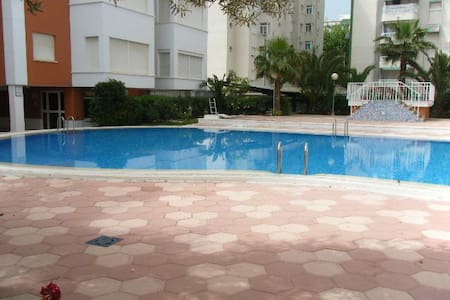 Apartamento estudio en  Playa de Gandia - Grau i Platja - Huoneisto
