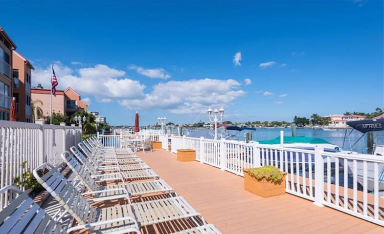 Saint Pete Beach 2 Bedroom Apartment