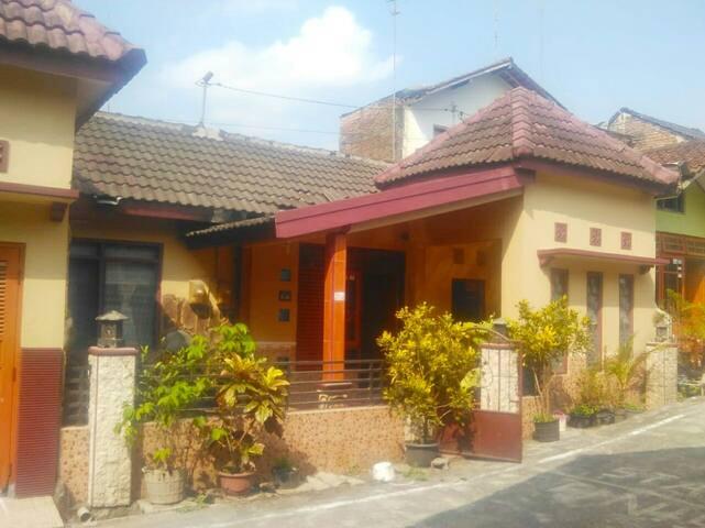 Garuda 2 Guest House