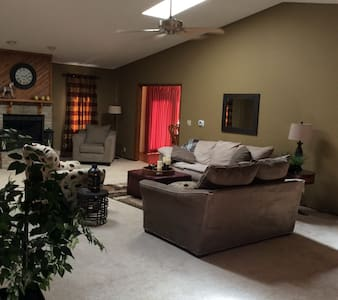 Listing for march 15-20 - Grand Island - Haus