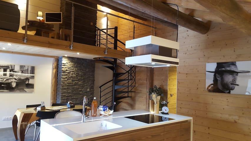 Luxueux appartement duplex dans chalet (78 m²)