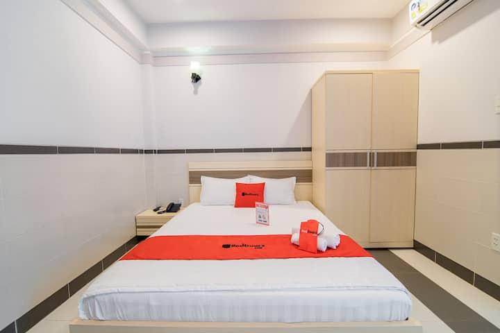 RedDoorz Cozy Comfy Room-near LotteMart District 7