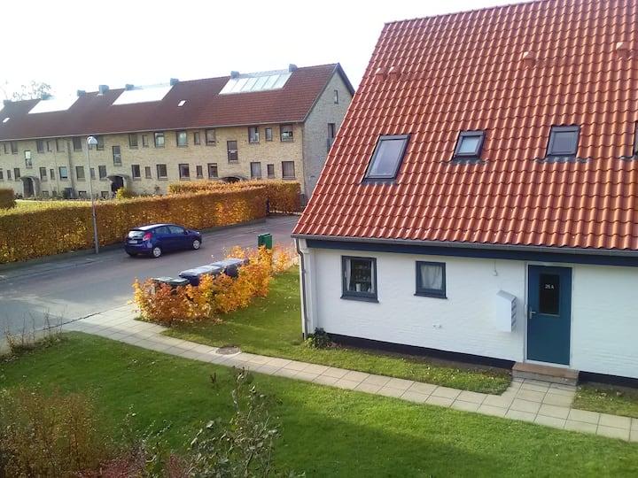 Quiet studio apartment in Copenhagen suburb