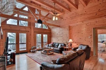 Lakefront Log Cabin with a Million-Dollar View
