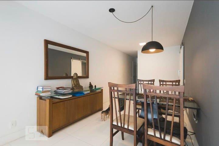 Apartamento amplo e confortável