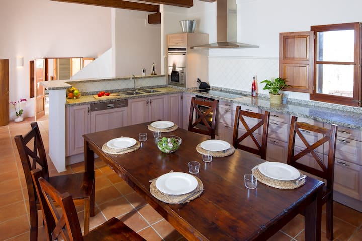 Recently built villa in Sant Francest with bbq&outside areaCNV5