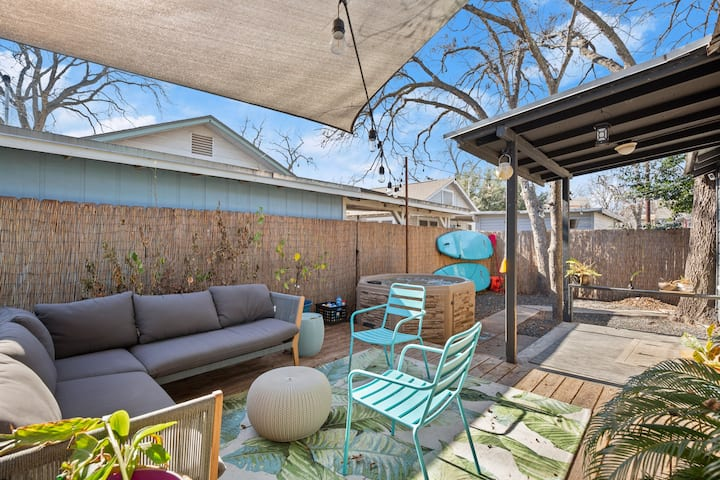 East Austin Outdoor Oasis with Hot Tub - 2 Blocks from Ladybird Lake
