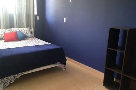 Bedroom with A/C near Congonhas Airport - São Paulo