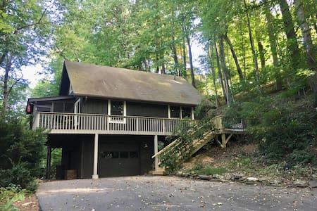 Wildwood Treetop Retreat