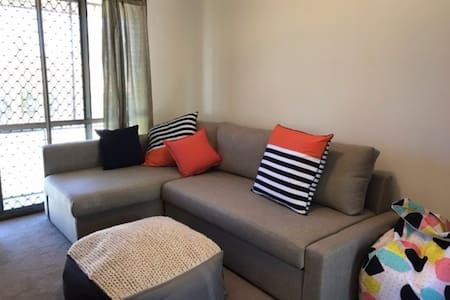 Entire apartment to host your family - Orange