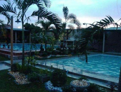 Private Pool and camping nights - Magalang