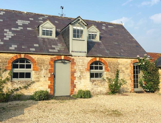 Charming Cottage, Lea, Malmesbury - Lea - Loteng Studio